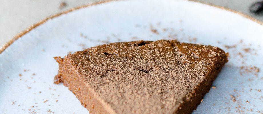 Flourless & Dairy-Free Chocolate Cake – Quick & Easy Recipe