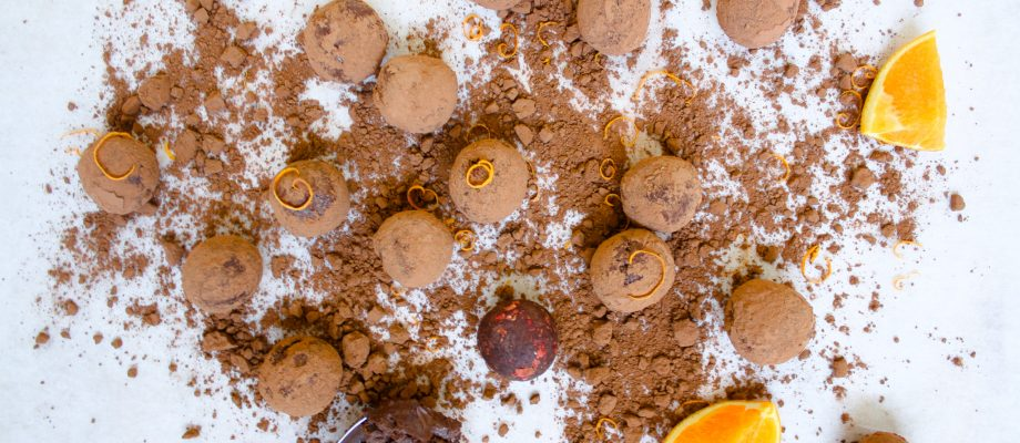 5 ingredients Dark Chocolate Truffles with Orange Zest I Vegan Recipe