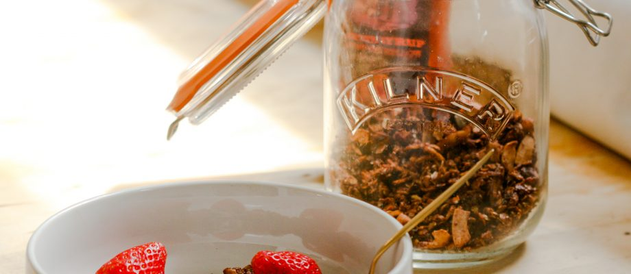 5 ingredients nut-free Granola ready in 5 minutes!