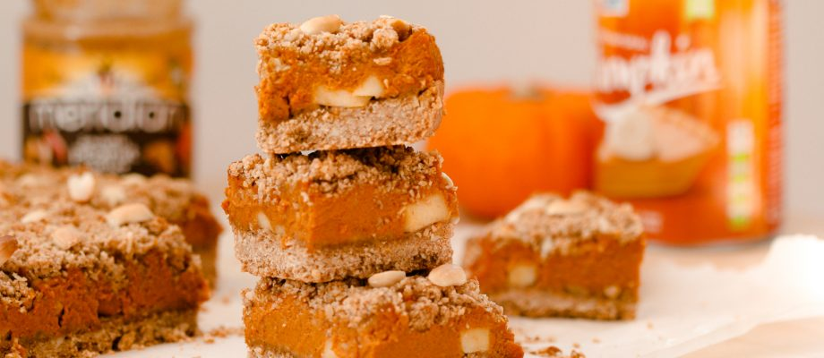 Pumpkin & Peanut Butter Crumble Bars ꓲ Vegan & Gluten-Free