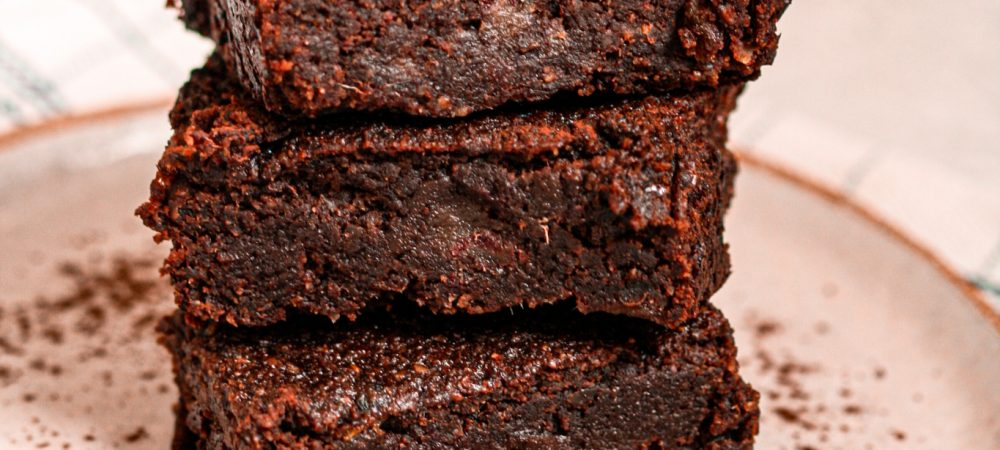 Super easy Vegan & Sugar-Free Brownie – Gluten-Free too!